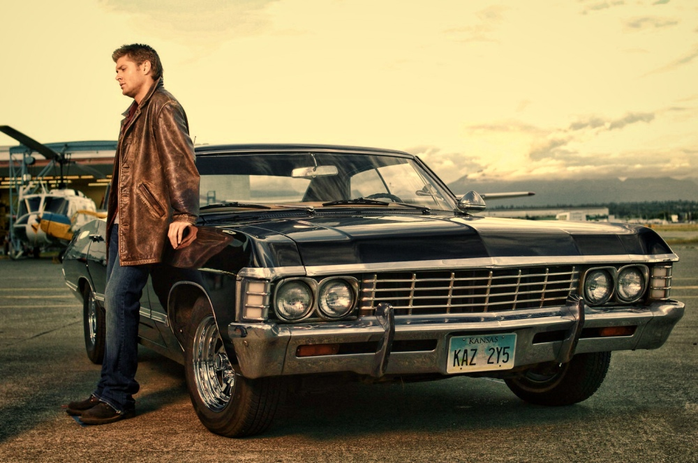 Dean-Winchester-with-Chevrolet-Impala-1967-supernatural-31507862-1450-963.jpg